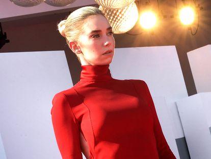 La actriz Vanessa Kirby en el Festival de Venecia, el día 5 de septiembre de 2020, donde ganó la copa Volpi.