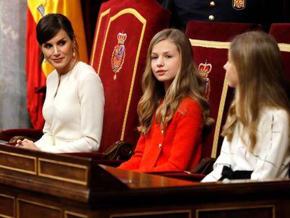 La reina Letizia, la princesa Leonor y la infanta Sofía, en el Congreso de los Diputados.