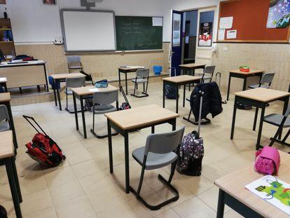 Una de las clases del colegio Maristas San José de León con la distribución de mesas propuesta por el algoritmo.