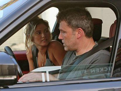 El actor Ben Affleck y la modelo Shauna Sexton en Los Ángeles, California, el 19 de agosto.