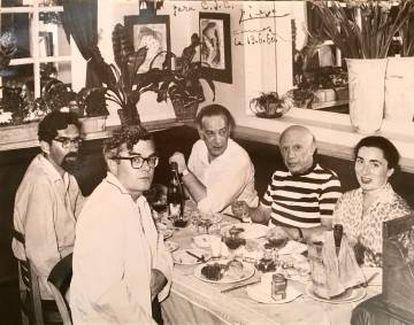 Kerrigan y Cela visitaron con un amigo a Pablo Picasso y a su mujer, Jacqueline, en La Californie en 1960.