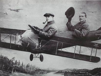 Mijaíl Bulgákov (derecha) y su amigo L. V Baratov, en 1928.
