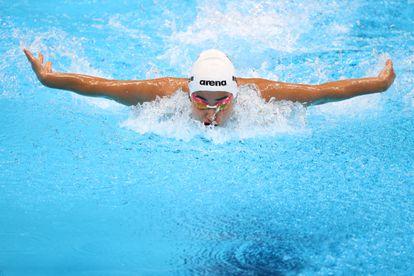 Tokyo 2020 Olympics - Swimming - Women's 100m Butterfly - Heats - Tokyo Aquatics Centre - Tokyo, Japan - July 24, 2021. Yusra Mardini of the Refugee Olympic Team in action REUTERS/Marko Djurica