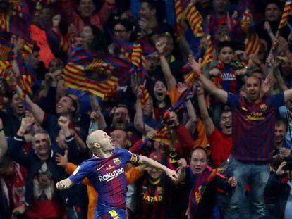 Iniesta celebra su gol ante el Sevilla.
