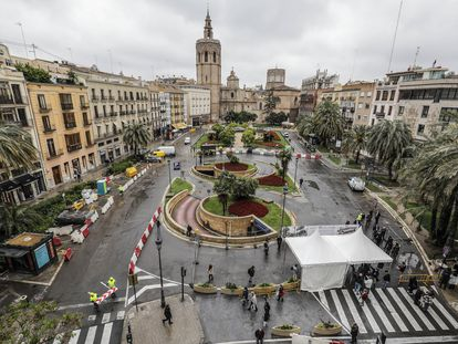 Vista general de la Plaza de la Reina de Valencia, donde se van a efectuar las obras de peatonalización.