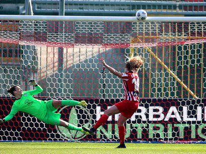 Toni Duggan falla un penalti este miércoles ante el Chelsea en el estadio Brianteo de Monza (Italia).