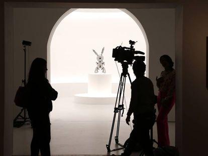 Escultura de Jeff Koons en la casa de subastas Christie's de Nueva York el pasado 3 de mayo.