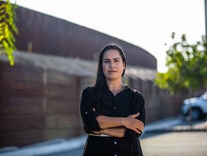 Erika Pinheiro, en el lado estadounidense de la valla de Tijuana, a finales de septiembre.