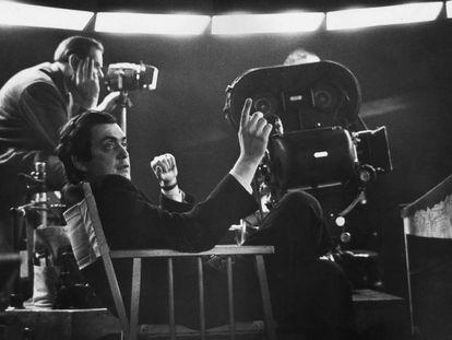 Kubrick, durante el rodaje '¿Teléfono rojo?, volamos hacia Moscú', en 1964.