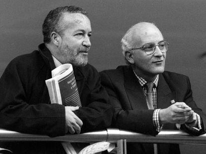 Pedro Arriola (izquierda) y Javier Zarzalejos, negociadores de Aznar con ETA.