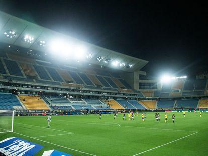 El estadio Ramón de Carranza en el Cádiz-Osasuna.