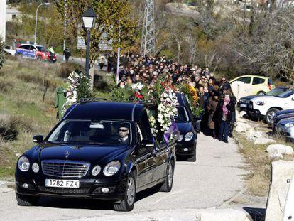 El entierro de María Teresa Alonso, la última víctima de la avalancha en el Madrid Arena se ha celebrado esta mañana.