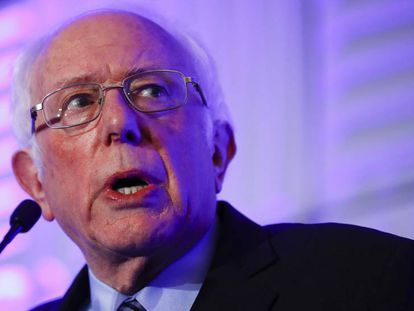 Bernie Sanders, durante una charla en Carolina del Sur. En vídeo, los ataques de los candidatos a Sanders durante el debate en CBS News.