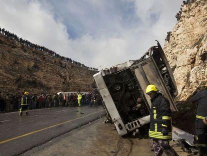 El autobús escolar accidentado, entre Jerusalén y Ramala.