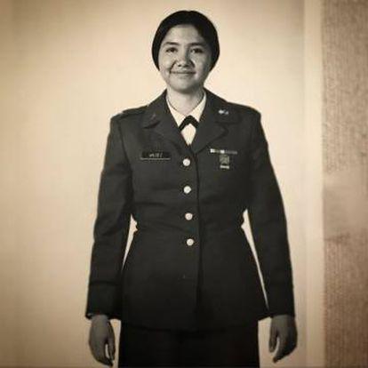 Una imagen de Lupe Valdez de joven que la candidata ha publicado en su página oficial.