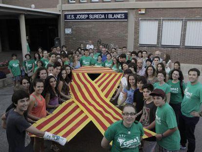 Encierro de profesores y alumnos del del IES Josep Sureda i Blanes.