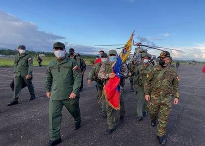 Llegada de militares venezolanos rescatados tras mes y medio de cautiverio en manos de grupos disidentes de las FARC.