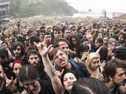Ambiente de público en el festival Resurrection Fest en Viveiro (Lugo).