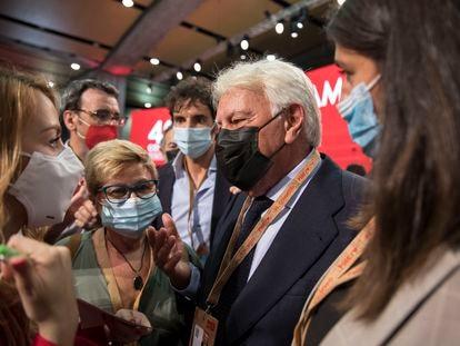 El expresidente del Gobierno Felipe González, este sábado en el 40º Congreso del PSOE