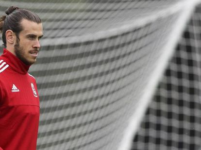 Bale, ayer en el campo de entrenamiento de Gales.