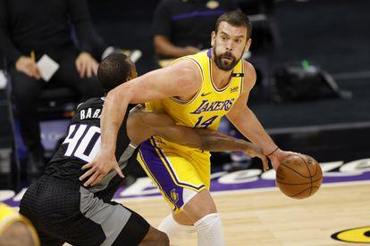 Marc Gasol y Harrison Barnes en el partido Lakers-Kings.