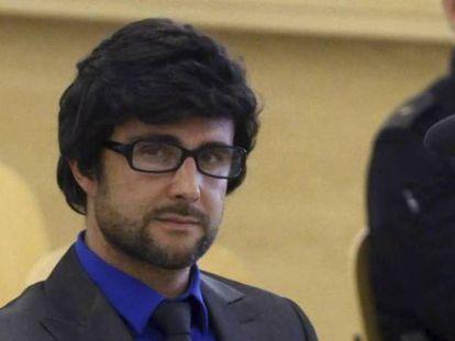 Hervé Falciani, con peluca y gafas, en la vista de su extradición a Suiza. J.C. HIDALGO