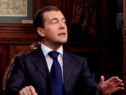 El presidente ruso, Dmitry Medvedev, durante su entrevista televisiva del viernes.
