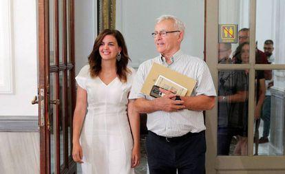 La vicealcaldesa de Valencia Sandra Gómez con el alcalde Joan Ribó.