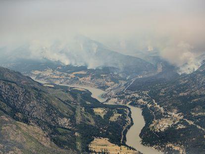 Incendios forestales en los alrededores del pueblo de Lytton, en la Columbia Británica (Canadá).