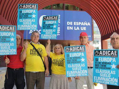 Concentración en Madrid de afectados por las cláusulas suelo de las hipotecas.