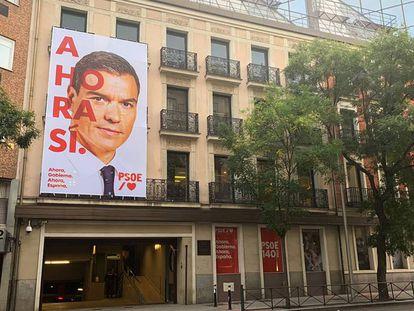 Sede del PSOE, en la calle Ferraz de Madrid, días antes de las elecciones del 10 de noviembre de 2019.