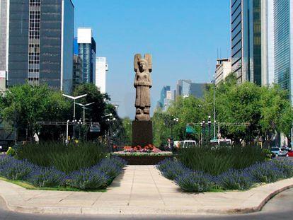 Recreación de la escultura 'La joven de Amajac' en la avenida Paseo de la Reforma.