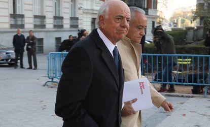 Francisco González, expresidente del BBVA, llega a la Audiencia Nacional para declarar en 2019.