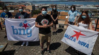 Miembros de Galiza Nova, organización juvenil del BNG, en Vigo.