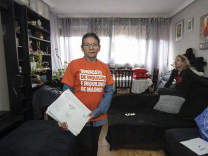 El pequeño piso de Alicia Madoño, que fue suyo y en el que ahora es inquilina, encierra la loca historia de la vivienda en España en esta década, aún a la espera de solución
