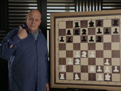 El campeón noquea con gran belleza y contundencia a Sálov, el 7º jugador del mundo en ese momento
