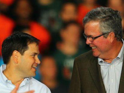 Los republicanos Rubio y Bush, en un acto en Miami en 2012.