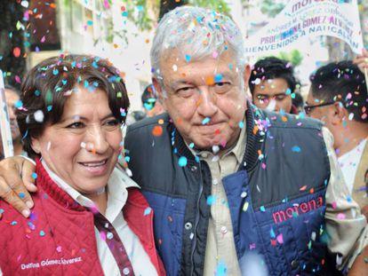 Delfina Gómez y López Obrador, tras un mitin en el Estado de México, en 2017.