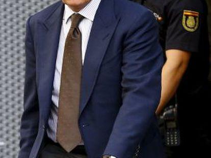 Jordi Pujol Ferrusola sale de la Audiencia Nacional tras declarar el 15 de septiembre.