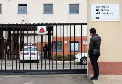 Centro de retención de immigrantes del Mesnil-Amelot a las afueras del aeropuerto de Roissy Charles De Gaule en París esta semana.