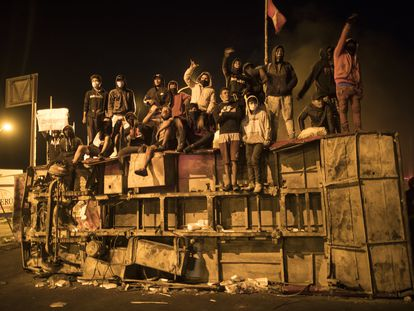 Trabajadores agrícolas protestan por los bajos salarios en Ica (Perú), el 4 de diciembre.