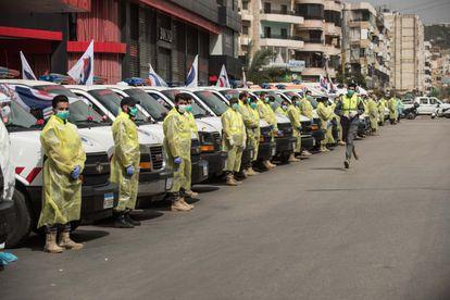 Decenas de ambulancias de Hezbolá, este martes en Dahie.
