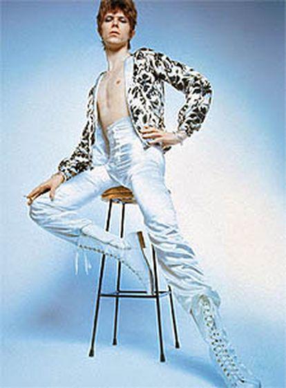 David Bowie, cuando se hacía llamar Ziggy Stardust, en la cima del <i>gay power.</i>
