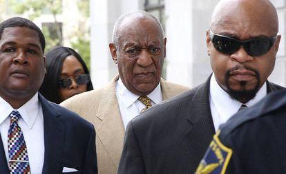 El actor Bill Cosby llega al tribunal de Norristown, Pennsylvania el 7 de julio de 2016.
