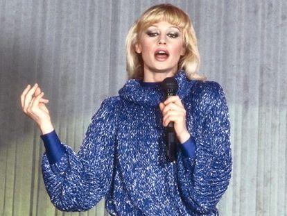 La cantante Raffaella Carrà, en 1985.