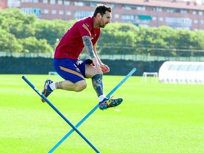 Messi, en un entrenemiento con el Barça