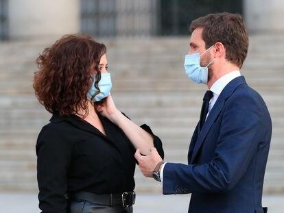 Isabel Díaz Ayuso y Pablo Casado, en el funeral por las víctimas del coronavirus el pasado julio.