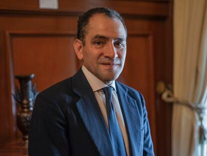 El secretario de Hacienda de México, Arturo Herrera, tras una entrevista con EL PAÍS a finales de abril.
