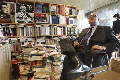 Pere Gimferrer, en la sede de su editorial en Barcelona.