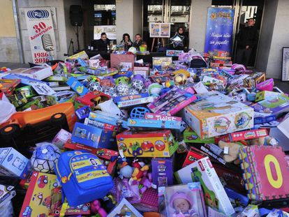 Recogida de juguetes llevada a cabo el pasado fin de semana para la campaña de los Reyes Magos / Ayuntamiento San Fernando